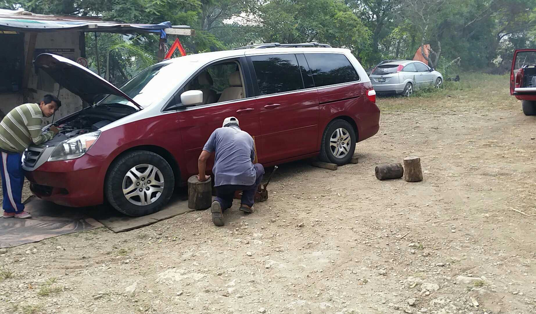 Car trouble in Mexico